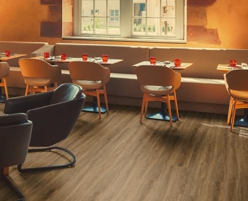 Neuer Designbelag in altem Restaurant-Gebäude