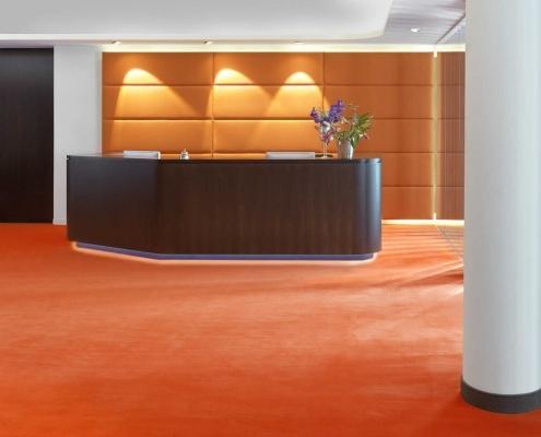 Teppich an Hotel-Rezeption