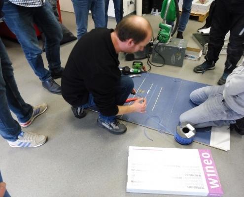 Training zur Beseitigung von Beschädigungen am Bodenbelag